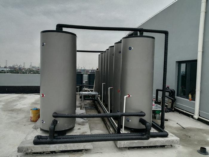 浙江嘉興平湖乍浦豐樹嘉興物流園熱水工程(速熱承壓式熱水系統)-空氣能熱泵廠家